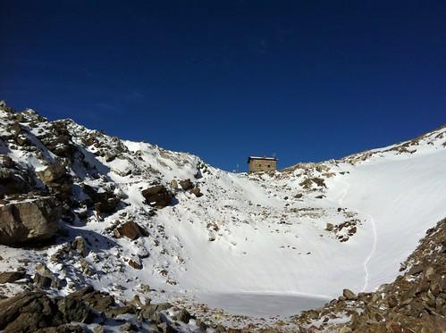 Die Rieserfernerhütte bereits im Schnee