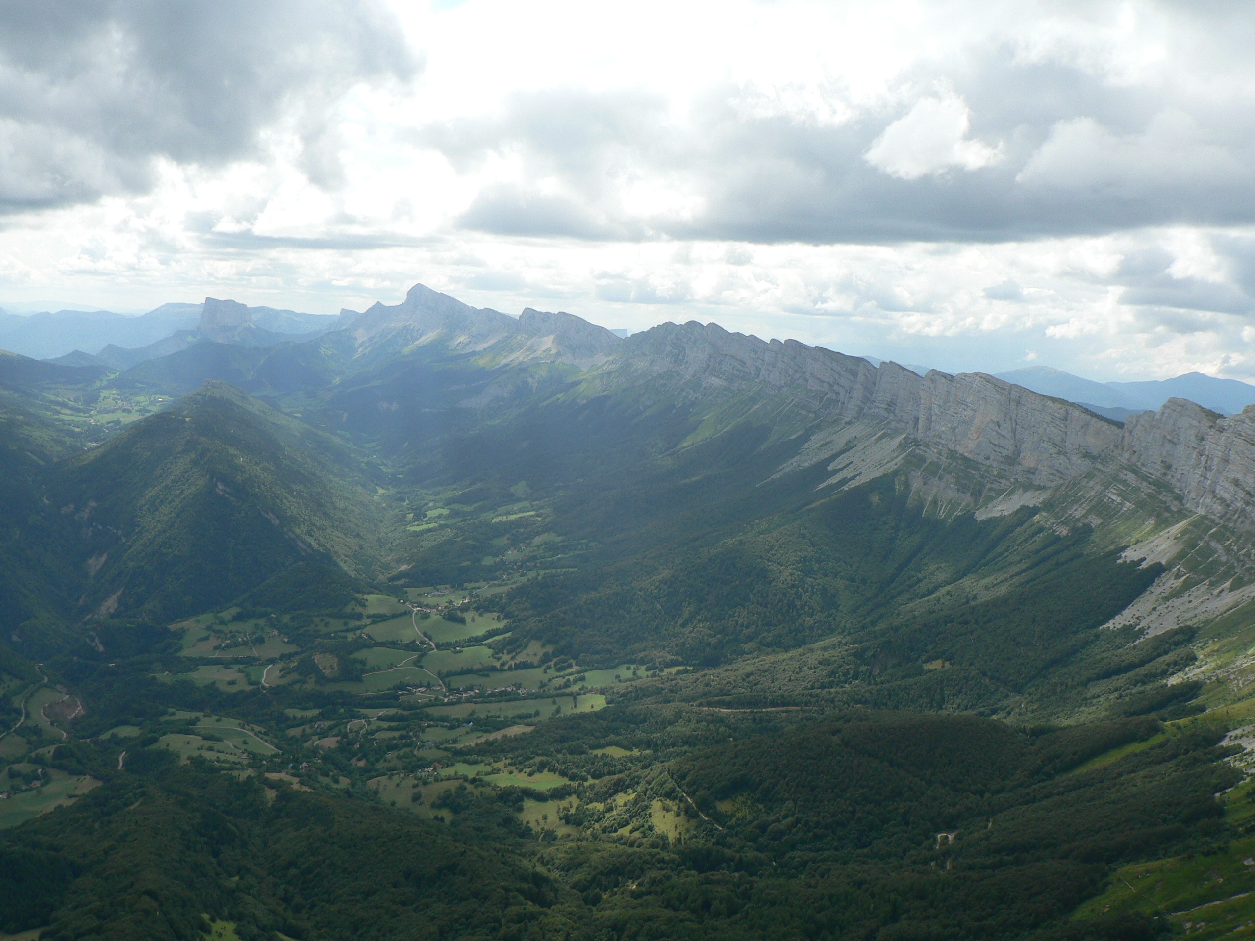 Looking southwards down the edge of the Vercors Plateau