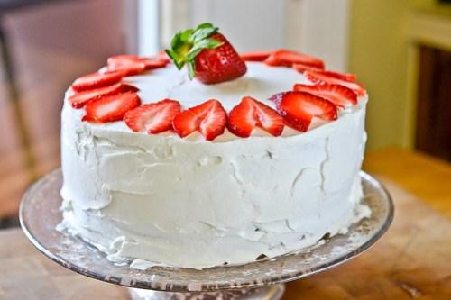 Strawberry-Swirl Cake-16