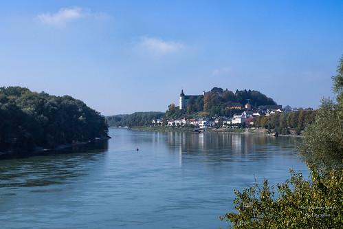 Blick über die Donau auf Ottensheim