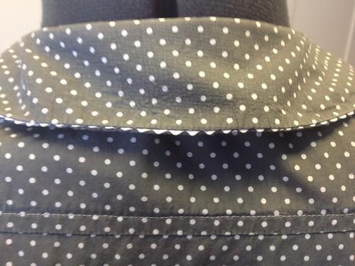 gray Simplicity 5232 back collar