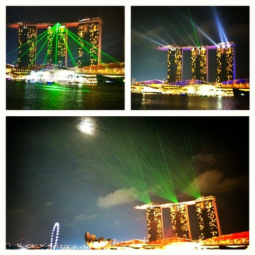 Last night's amazing light show by the Marina in #Singapore.