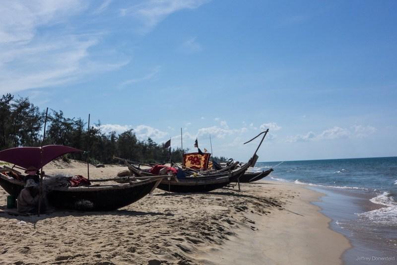 2013-06-09 Hue Beach Bar - DSC05133-FullWM