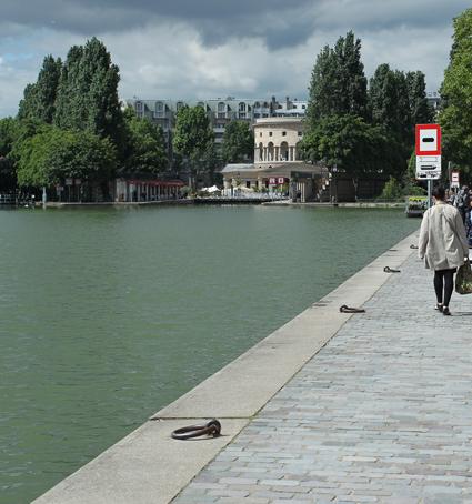 14e29 Brocante Canal de lOurcq 021 variante 1 Uti 425