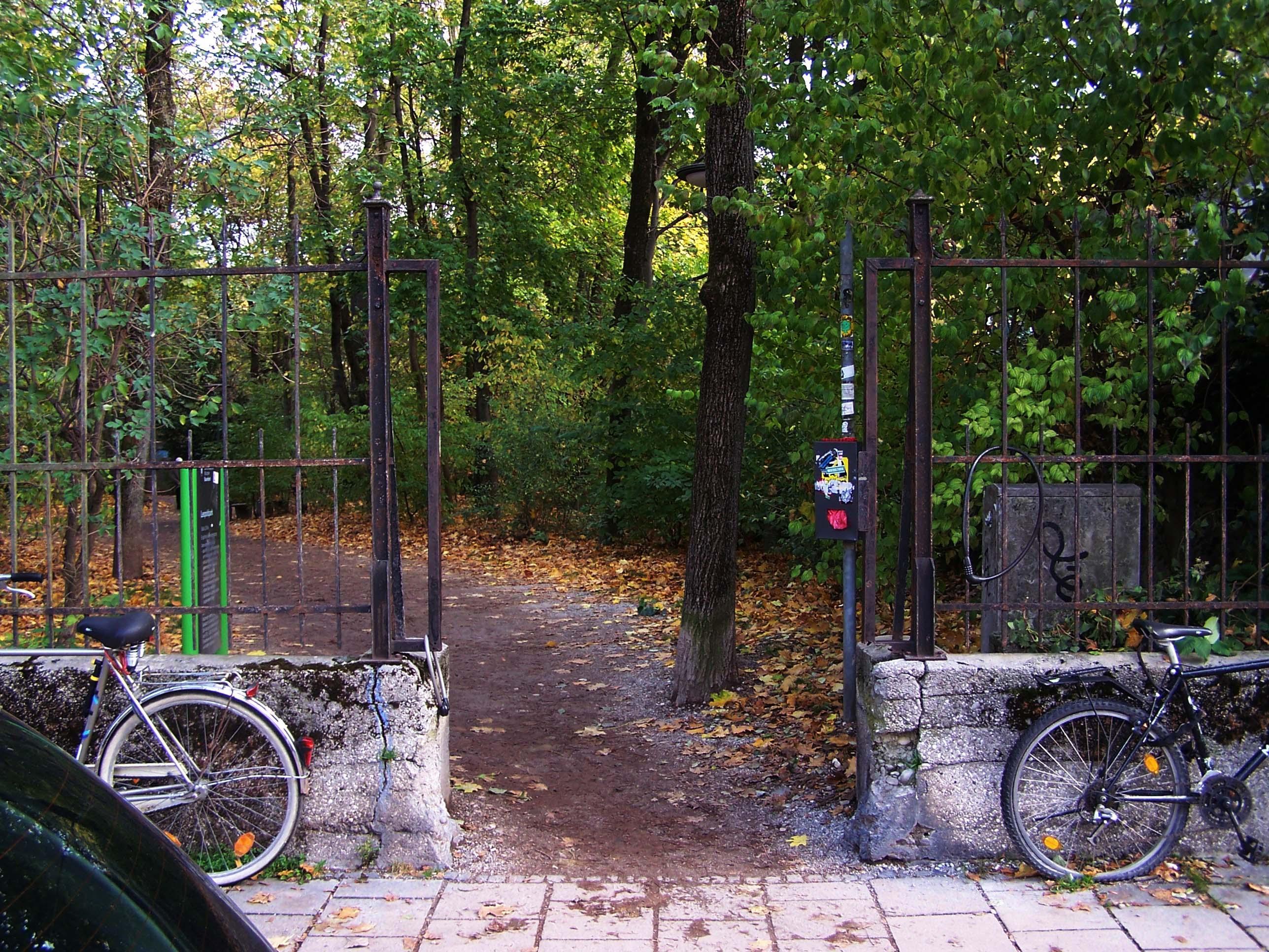 Nebeneingang Leopoldpark