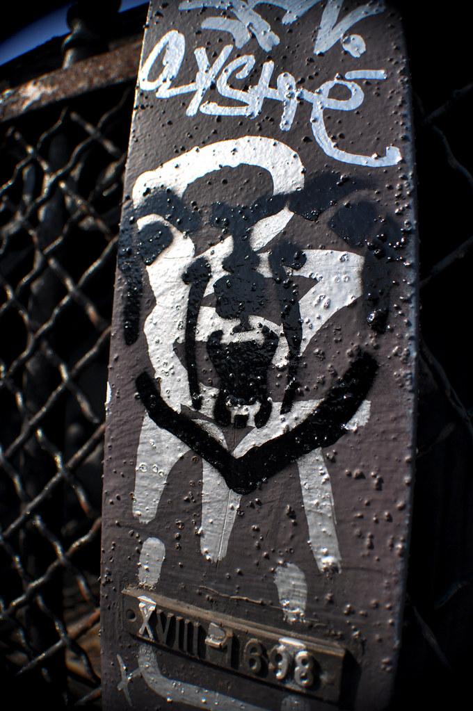 Bear Stencil 1