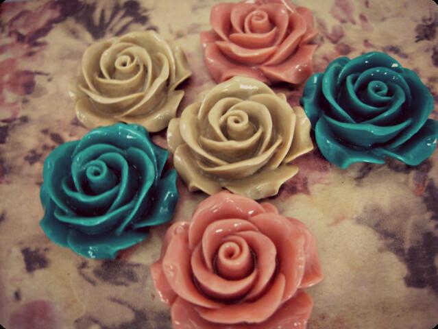loloandole_rosesbeads