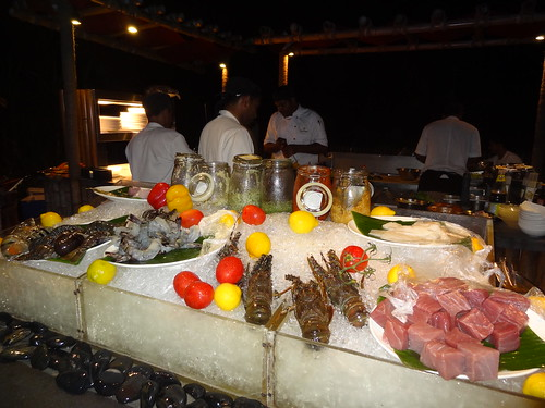 Fresh seafood at Reethi Rah Chef's Table restaurant including lobster, shrimp, tuna