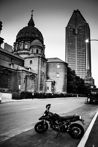 Montreal. riding the holy trail by Momo's Photographies