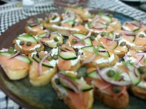 lox crostini by pipsyq