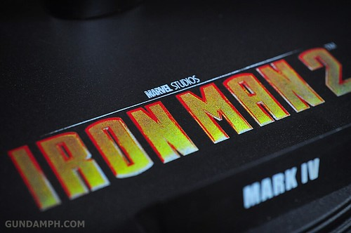 Hot Toys Iron Man 2 - Suit-Up Gantry with Mk IV Review MMS160 Unboxing - day1 (24)