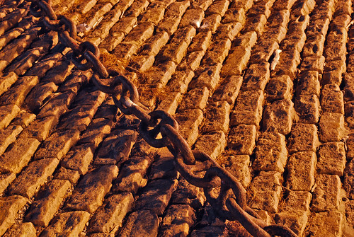 Chain and bricks