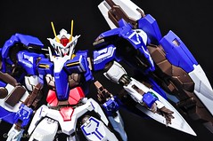 Metal Build 00 Gundam 7 Sword and MB 0 Raiser Review Unboxing (119)