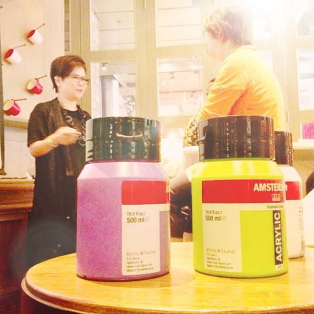 Bottlemania's Eileen and Acrylic Colors #pacificcoffee #pacificcoffeeemporium