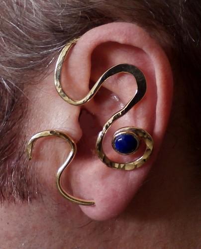 wrap earring nugold, Lapis lazuli7mm, 2.5x1.5in 12ga by Wolfgang Schweizer