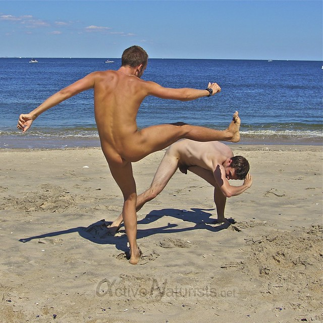 naturist 0039 capoeira @ Gunnison Beach, Sandy Hook, NJ, USA