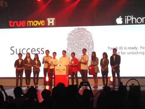 ผู้บริหาร TrueMove H เปิดตัวจำหน่าย iPhone 5s/iPhone 5c อย่างเป็นทางการ