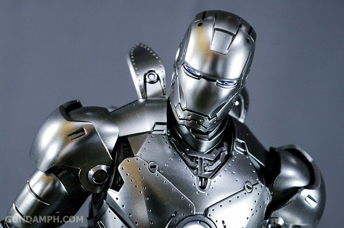 Hot Toys Iron Man 2 - Mk II Armor Unleashed Ver. Review MMS150 Unboxing (79)