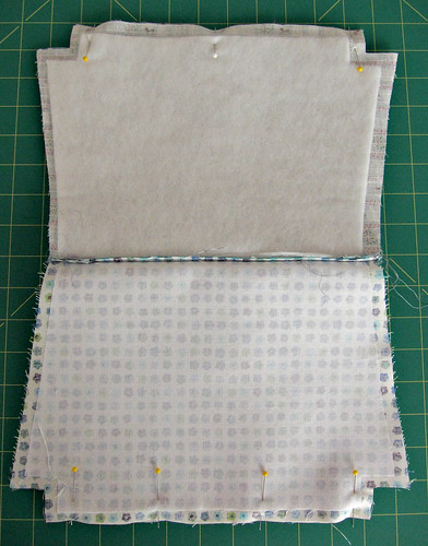 Zippy pouch tutorial - constructing the pouch
