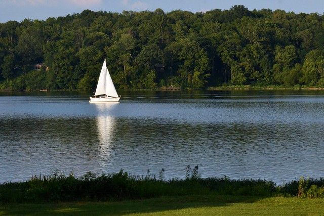 Sailing on Acton Lake