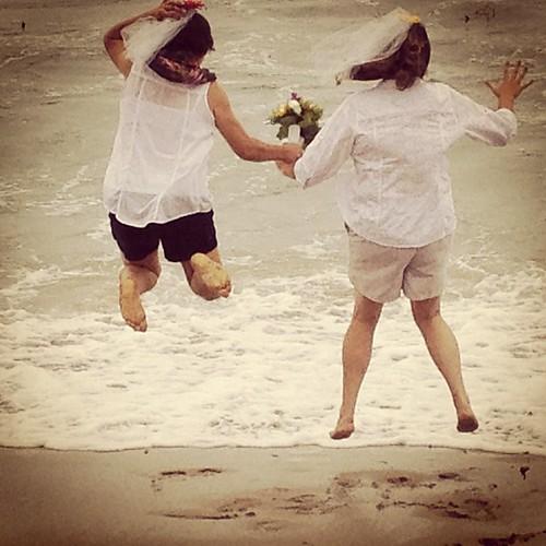 #wedding on the #beach @lolalynneandlucy