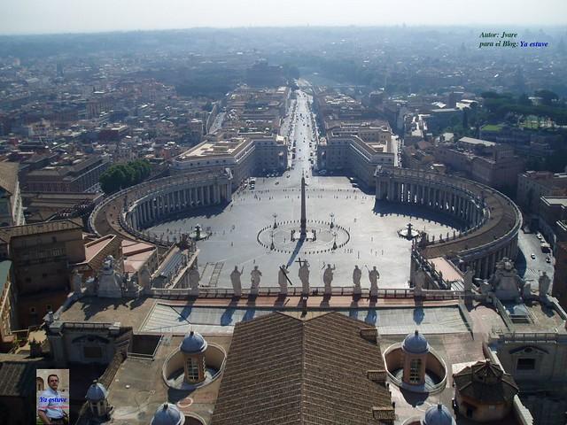 Plaza S. Pedro desde mirador de la cúpula del vaticano