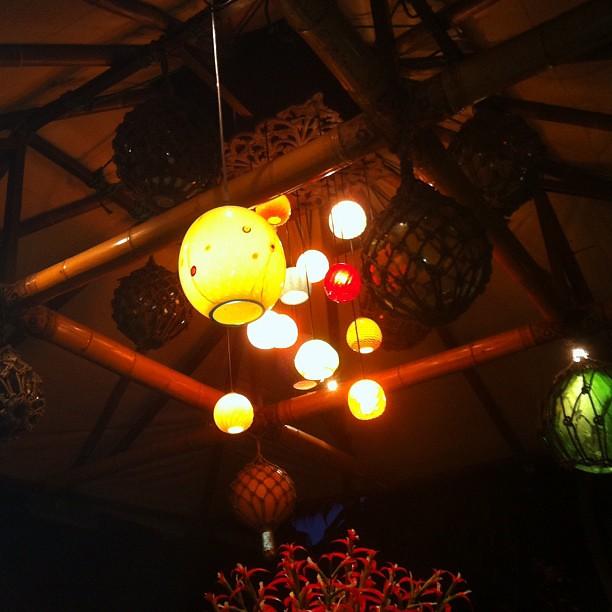 Night lights at Mama's Fish House. #nofilter #latergram #maui