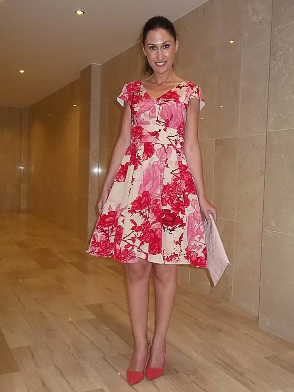 floral print, pink coral, fullness, tutu, coral undercuts, pale pink clutch, Ted Baker, estampado floral, corales y rosas, vuelo, tutú, destalonados, clutch color rosa palo