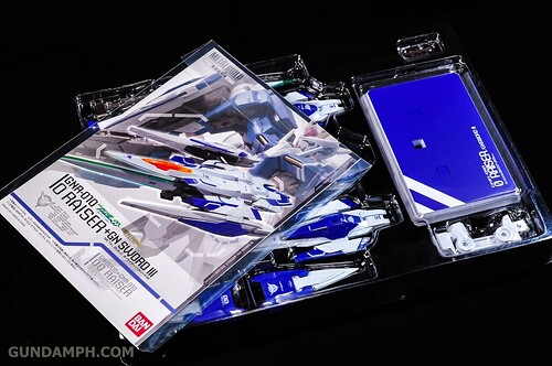 Metal Build 00 Gundam 7 Sword and MB 0 Raiser Review Unboxing (96)