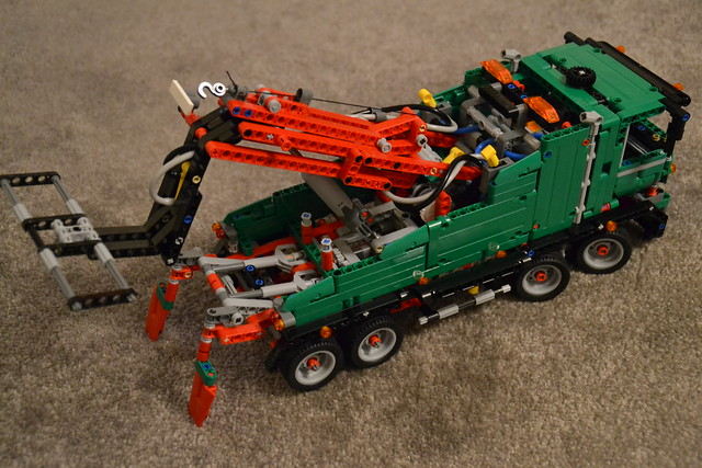 Lego HGV Tow Truck