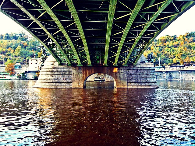 October afternoon by the Vltava (19)