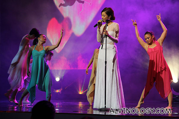 Another picture of Linda Chung singing