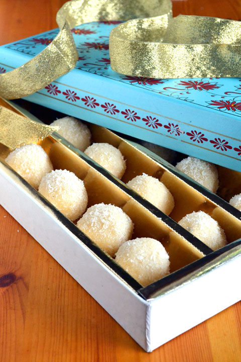 Coconut Ladoo