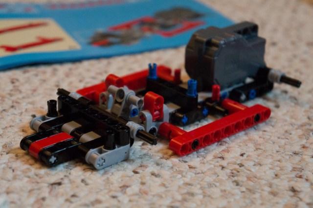 LEGO Technic 42011 pull-back motor