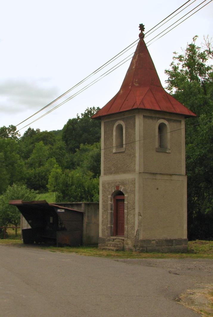 Zvonica v Pravici