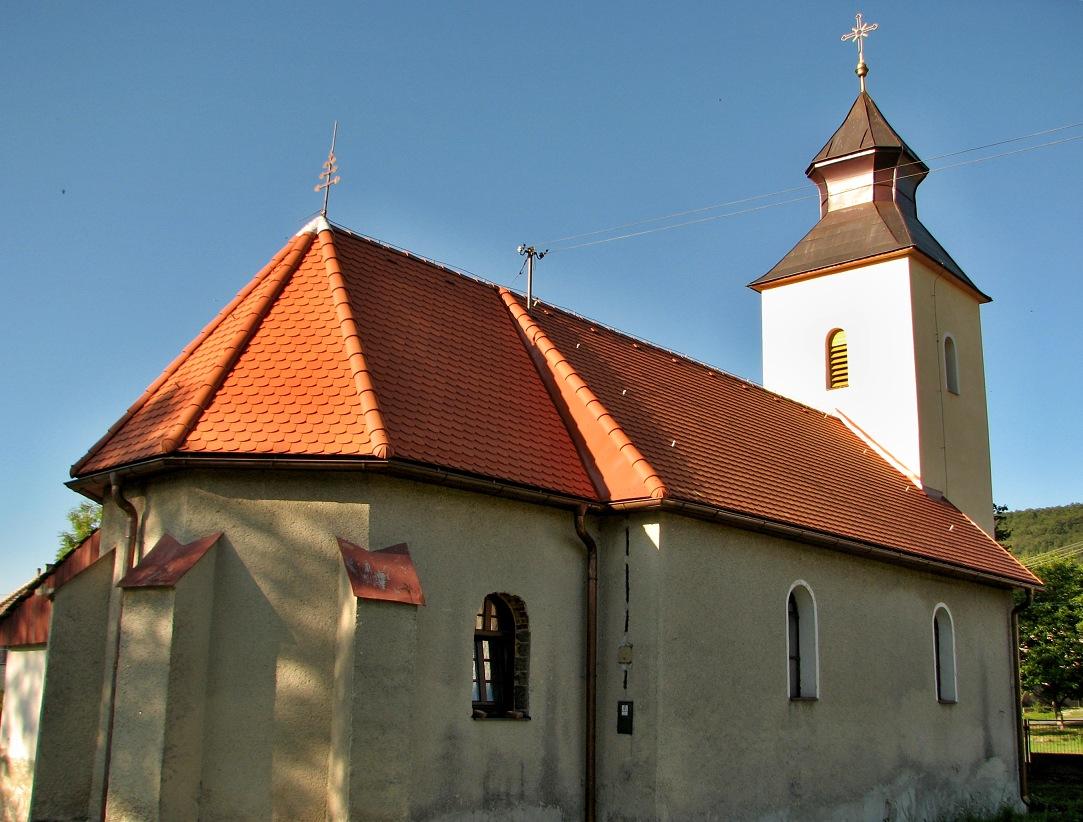 Katolícky kostol v Čelovciach