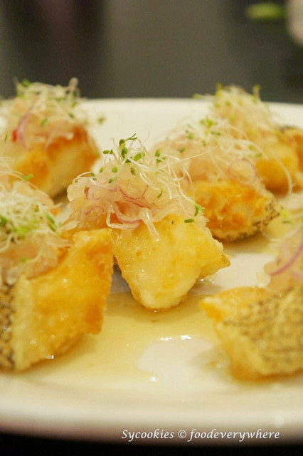 4.park royal-Deep-fried Cod Fish with Pomelo Sauce (1)