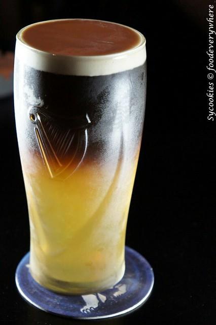 6.Chapter one- Poor Man's Black Velvet- Guinness Draught, White Wine, Club Soda