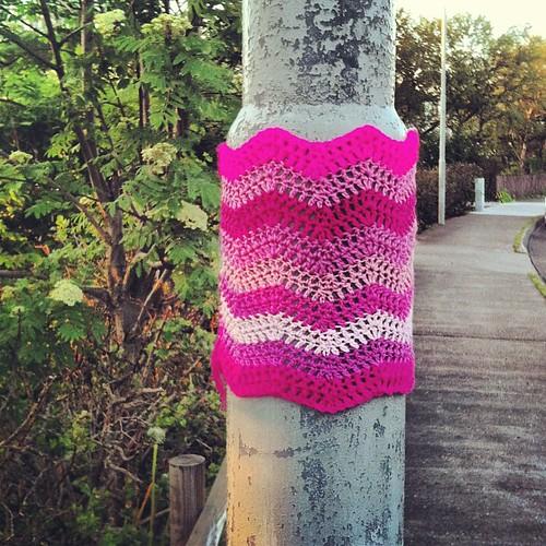 #málumbæinnbleikan #yarnbombing #yarngraffiti #yarnstorming #pink #reykjavík #iceland