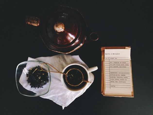 marble & milkweed forest tea