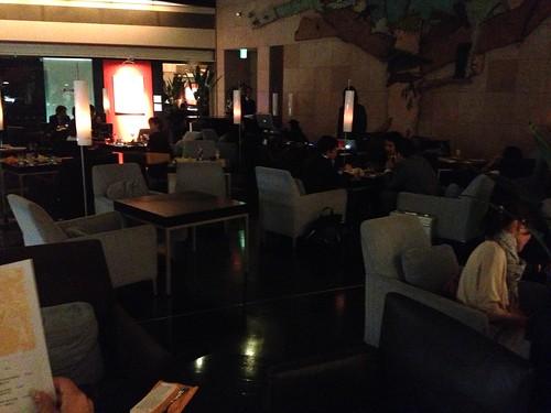 DJブースもなんだかエレガント@PARK HOTEL Lounge Night