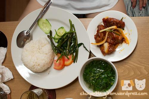 Tránh nắng thưởng trà ở Chuông Gió