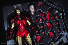 Hot Toys Iron Man 2 - Suit-Up Gantry with Mk IV Review MMS160 Unboxing - day1 (14)