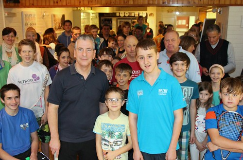 Mike Thornton MP and Ben Valentine with Junior Squash tournament players