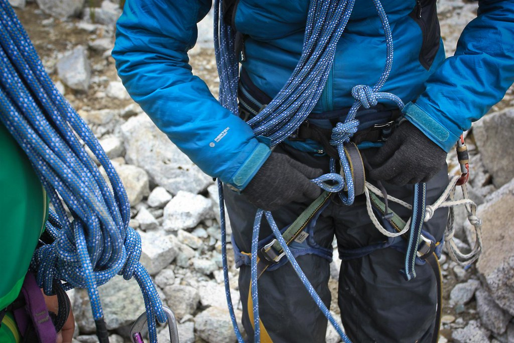 Knot and rope technique rehearsels. Yanapaccha basecamp. Cordillera Blanca. Peru.