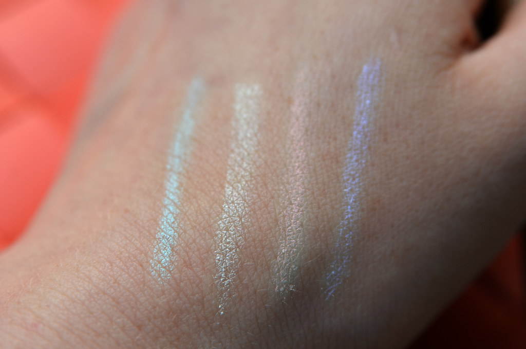swatches crayon lumiere four colours