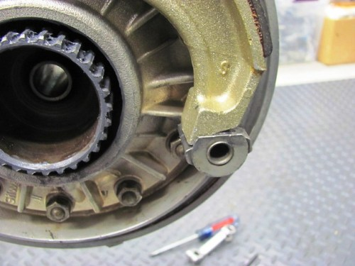 Notch Fits on Rear Brake Cam Flat Plate
