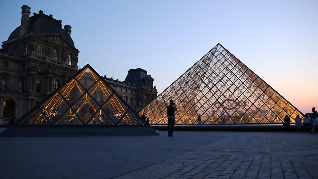 Double Pyramide