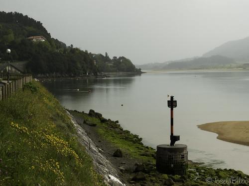 Ría de Gernika. Antzora auzoa. Urdaibai. Bizkaia. by JoseluBilbo.