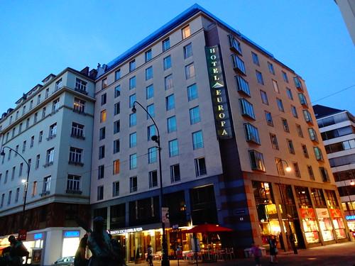 Wien, 1. Bezirk (l'arte delle facciate di Vienna) - Neuer Markt/Donnergasse (Hotel Europa)